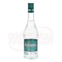 Vodka Kedrovisa con cedro 40% 0,5 L