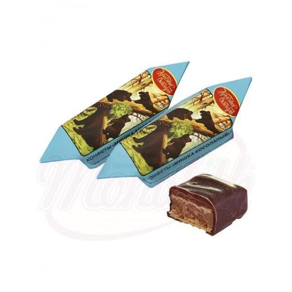 Bombones con barquillo Mishka kosolapij con almendras en glace de cacao 100g - Rusia