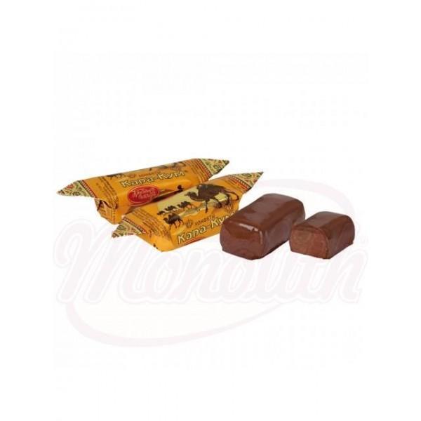 Chocolate Kara-Kum con almendras y migas de barquillo en esmalte de cacao 100g - Rusia