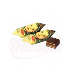 Bombones con barquillo Alenka con relleno de crema de praliné 54%, glaseados en cacao 100g