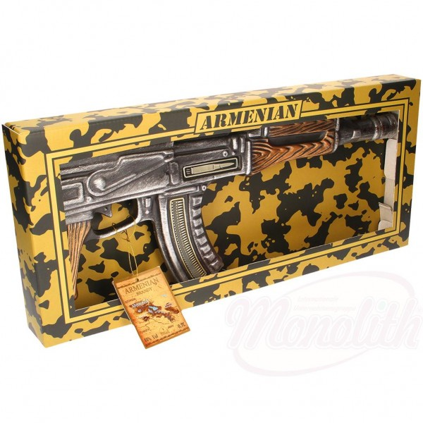 """Armenio Brandy """"AK-47 KALASHNIKOV"""" cerámica 40  alc.  0.7L  en caja de regalo - Armenia"""